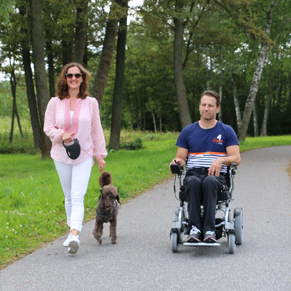 En sammenklappelig elkørestol gøre bare livet lidt lettere for den som har svært ved at gå