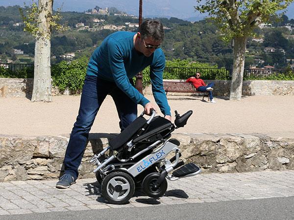 vik ihop, Eloflex hopfällbar elrullstol, elektrisk rullstol, vikbar, portabel, lätt, låg vikt, egen bil, flyg, resa, kompakt, smidig